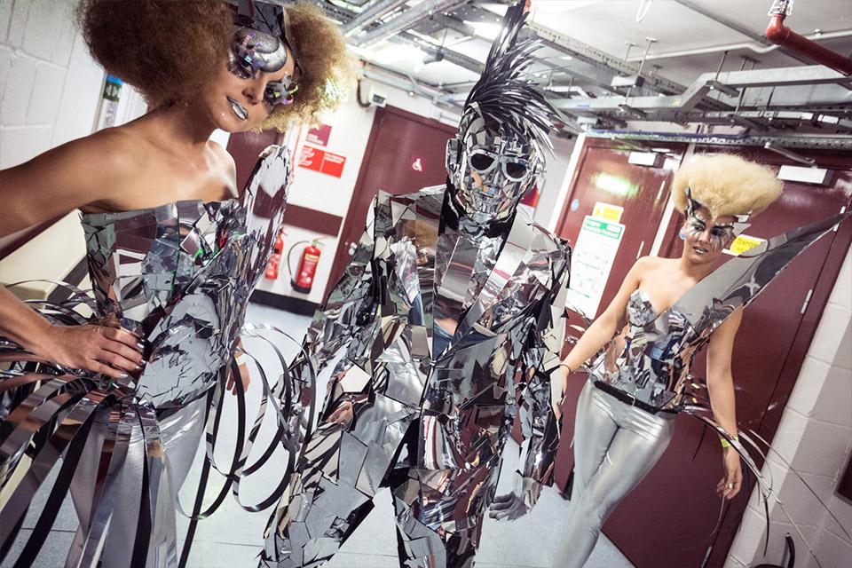 Dance-Industry Spiegel